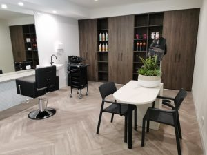 Large hairdressing and nail salon
