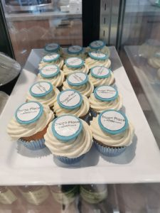Cupcakes with 'Trugo Place' on them